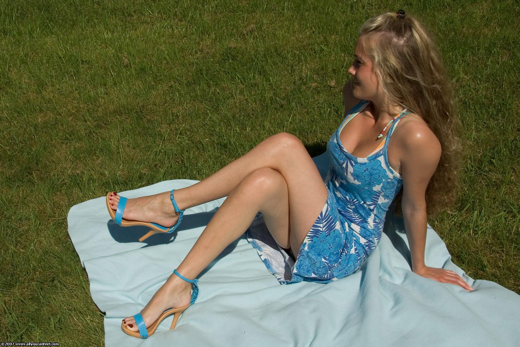 Русские девушки сексуальные ноги 21 фотография